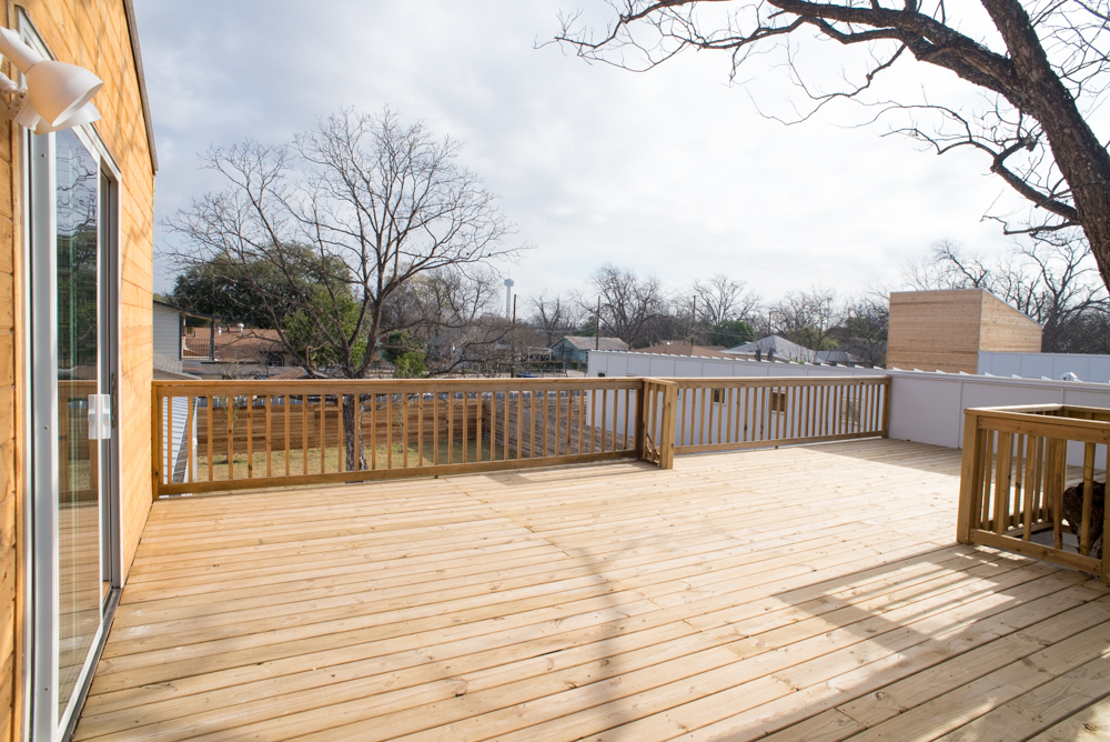 San-Antonio-King-William-E-Fest-Home-Wooden-Patio