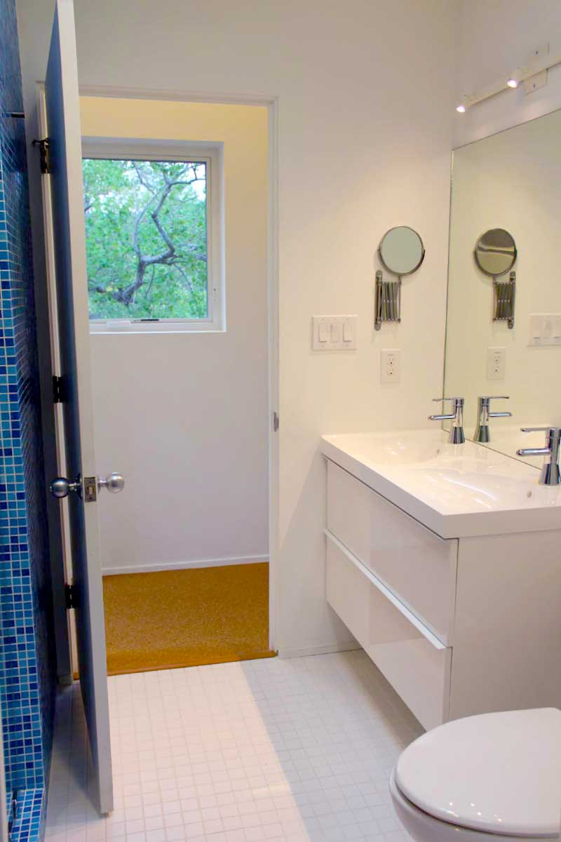 04King-William-San-Antonio-Everest-Custom-Home-Bathroom